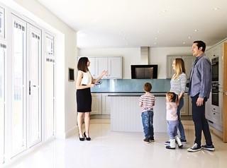 Как правильно организовать показ при продаже квартиры?