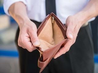 Резко возрастет риск купить квартиру продавца-банкрота