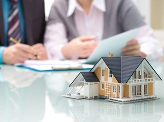 Банки неохотно кредитуют тех, кто хотел бы построить дом за городом