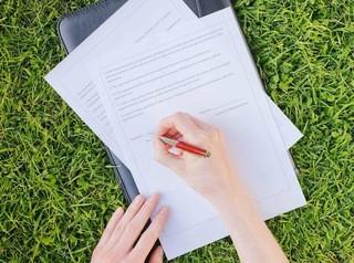 Многодетным семьям собираются выдавать сертификаты на земельные участки