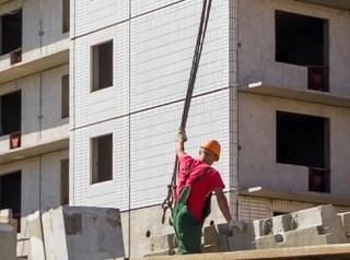 Имеющим долг за аренду земли строительным компаниям хотят не выдавать разрешения на строительство