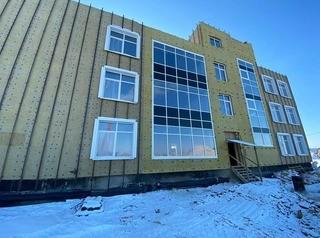Школу в Хомутово построили уже на 70%