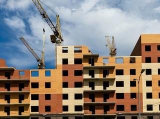 В два раза увеличить объемы строительства до конца 2021 года рассчитывают в Минстрое