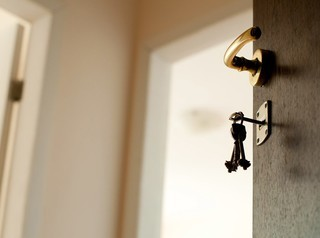 Собственников квартир заставят отвечать за арендаторов
