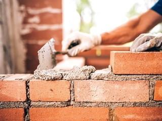 Достройку домов «Реставрации» обещают начать в середине следующего года