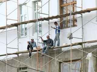 В апреле, мае и июне собственники квартир могут не платить за капитальный ремонт