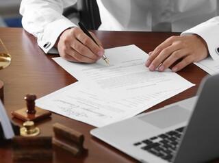 Какие сделки с недвижимостью требуют нотариального удостоверения