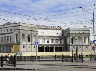 Новые подрядчики возьмутся за художественный музей на проспекте Ленина в сентябре