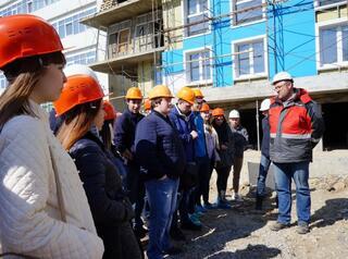 В ЖК «Нижняя Лисиха – 4» побывали будущие строители