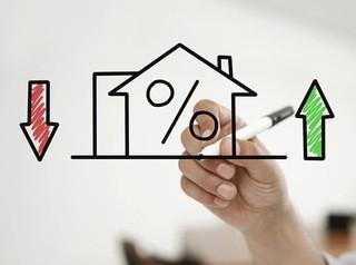 Ключевая ставка выросла, но банки продолжают снижать ставки по ипотеке