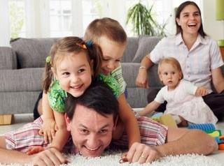 Больше многодетных семей смогут получить 450 тысяч рублей от государства на погашение ипотеки