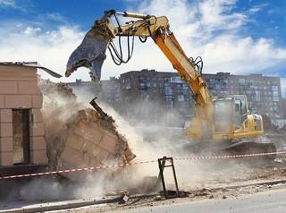 Власти смогут принудительно изымать землю и жилые дома для развития города