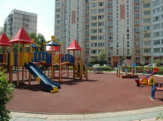 Омские власти принимают заявки на благоустройство городских дворов