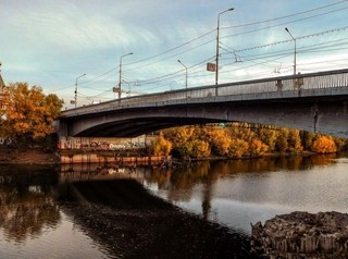 Еще 145 млн рублей потратят на ремонт Юбилейного моста в Омске