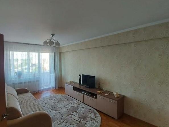 Продам 3-комнатную, 69 м², Николая Гастелло пер, 3. Фото 2.