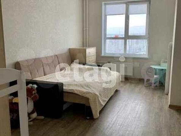 Продам 2-комнатную, 41 м², Взлетная ул, 38. Фото 4.