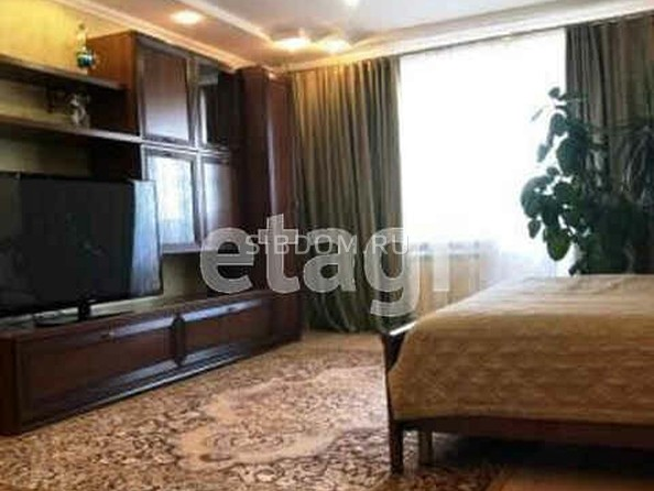 Продам 3-комнатную, 133 м2, Папанинцев ул, 123. Фото 3.