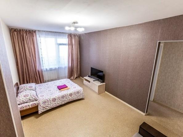 Сдам посуточно в аренду 1-комнатную квартиру, 42 м², Барнаул. Фото 2.