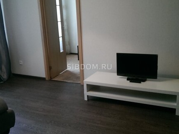 Сдам посуточно в аренду 2-комнатную квартиру, 56 м², Барнаул. Фото 4.
