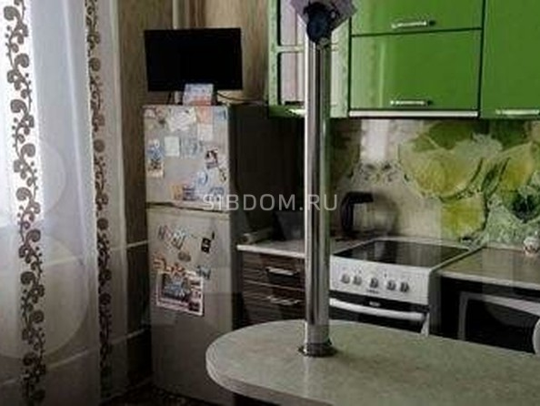 Продам 2-комнатную, 60.6 м², Коммунарский пер, 37. Фото 1.