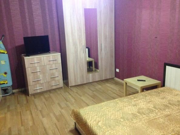 Сдам посуточно в аренду 1-комнатную квартиру, 36 м², Барнаул. Фото 1.