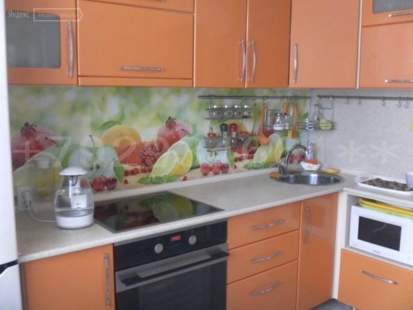 Продам 3-комнатную, 72 м², Шумакова ул, 63. Фото 2.