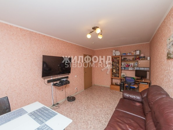 Продам 3-комнатную, 65.6 м², Глушкова ул, 16. Фото 2.