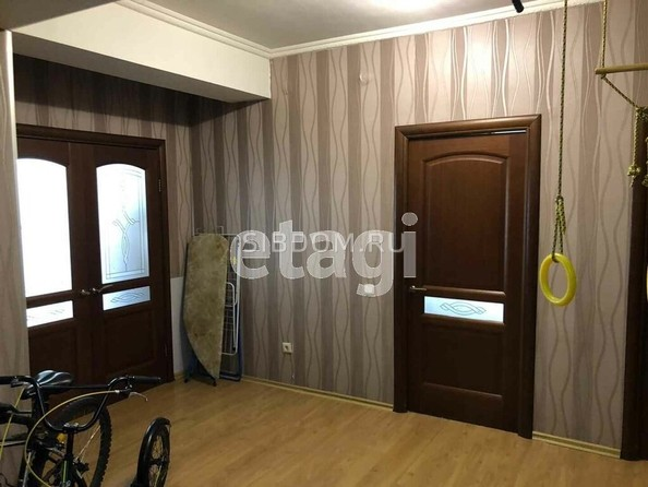 Продам 3-комнатную, 96.3 м², Бабушкина ул, 180. Фото 3.