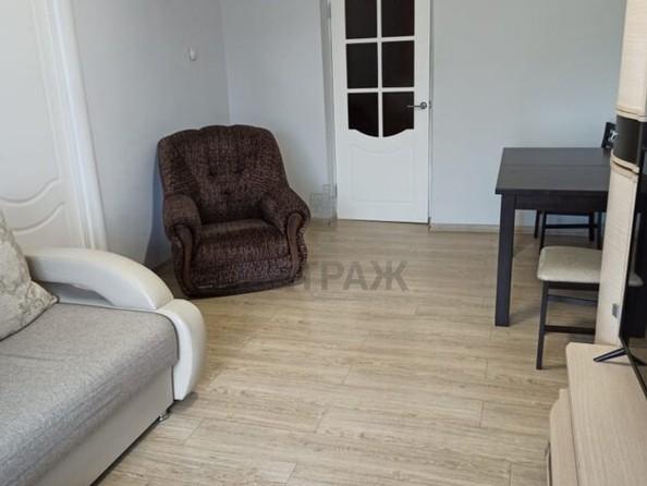 Продам 4-комнатную, 73.6 м², Строителей Проспект, 38. Фото 4.
