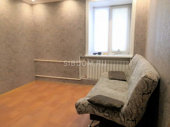 Продам 1-комнатную, 29 м2, Октябрьская ул, 23. Фото 1.