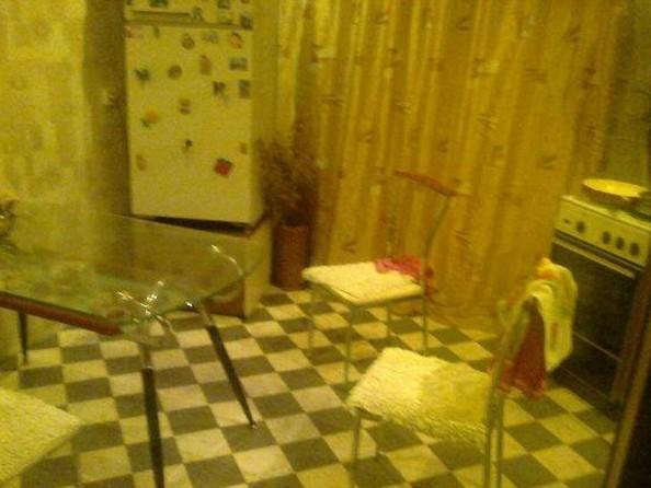 Продам 3-комнатную, 78 м², Лысогорская ул, 87А. Фото 4.