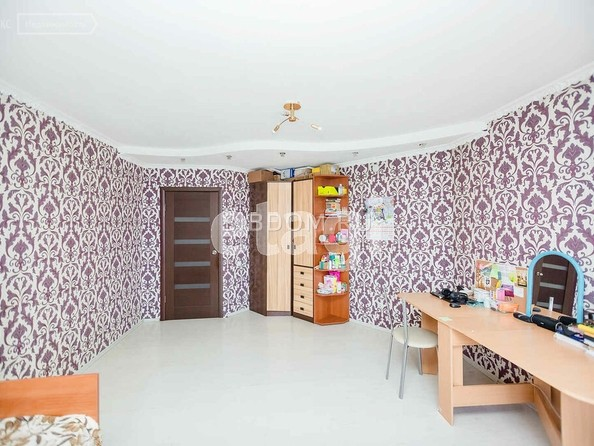 Продам 3-комнатную, 80 м2, Ключевская ул, 70А. Фото 2.