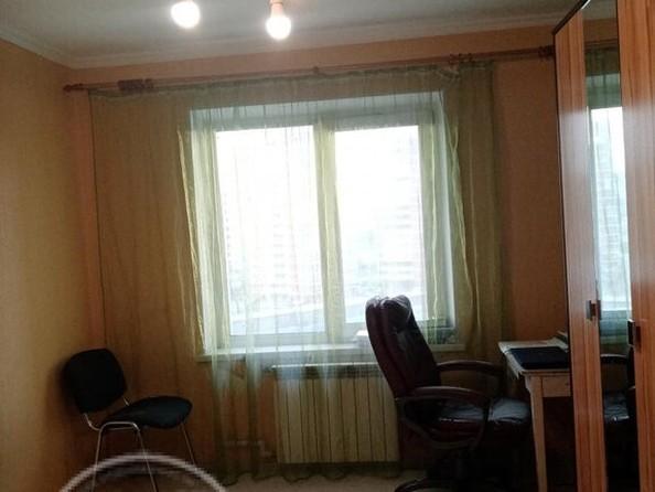 Продам 3-комнатную, 74.5 м², Ключевская ул, 70А. Фото 3.
