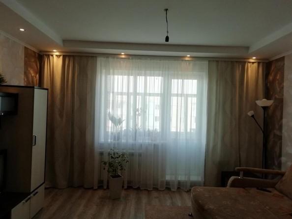 Продам 2-комнатную, 54 м2, Стахановская ул, 1а. Фото 2.