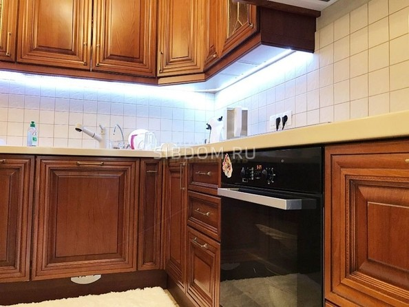 Продам 5-комнатную, 300 м², Тютчева ул, 1. Фото 5.